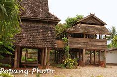 บ้านไทลื้อ หนองบัว น่าน Village Photography, Thai House, Wooden House, Little Houses, Interior And Exterior, Bamboo, Cabin, Detail, Architecture