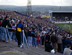 Turf Moor, Burnley in the Football Casual Clothing, Football Casuals, Football Images, Football Cards, Football Stadiums, Football Players, Burnley Fc, Nostalgic Pictures, Everton Fc