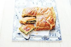 Spinazietaart met Geitenkaas - Recept Cute Food, Good Food, Yummy Food, Honey Pie, Oven Dishes, Dinner Is Served, Recipes From Heaven, Vegan Dinners, Kitchen Recipes