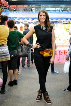 Live styling at the #african #market showing you how to dress up with #african accessories