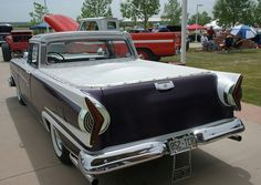 I absolutely prefer this colouring scheme for this car Vintage Cars, Antique Cars, Edsel Ford, Ford Lincoln Mercury, Truck Wheels, Older Models, 2019 Ford, Old Trucks, Car Car