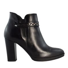 Stun the crowd with these chic looking boots the simple details make all the difference