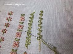 Lavanda e Lillà Crazy Quilt Stitches, Embroidery Stitches Tutorial, Embroidery Works, Flower Embroidery Designs, Hand Embroidery Stitches, Embroidery Techniques, Ribbon Embroidery, Cross Stitch Embroidery, Stitch Book