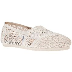 TOMS Crochet slipper (235 BRL) ❤ liked on Polyvore featuring shoes, slippers, flats and toms