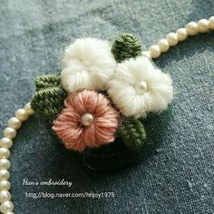 롤스티치 브로치. Roll stitch. Broach. #프랑스자수 #입체자수 #브로치 #롤스티치 #embroidery #stitch #needlework #broach