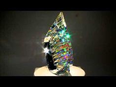 【職人の頂点】ガラスに「虹を閉じ込めた」ような不思議な彫刻:DDN JAPAN