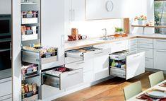 selbst ist die Frau: Küche renovieren. Mach deine Küche zum Lieblingszimmer – mit maßgefertigen Küchenmöbeln.