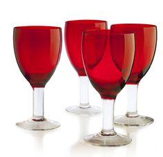 ¡Copas perfectas para la cena navideña! Encuéntralas en www.easy.cl