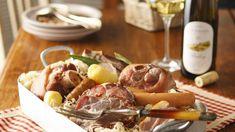 Profitez de la recette traditionnelle de la fameuse choucroute alsacienne et de nos conseils pour les vins d'accompagnement.