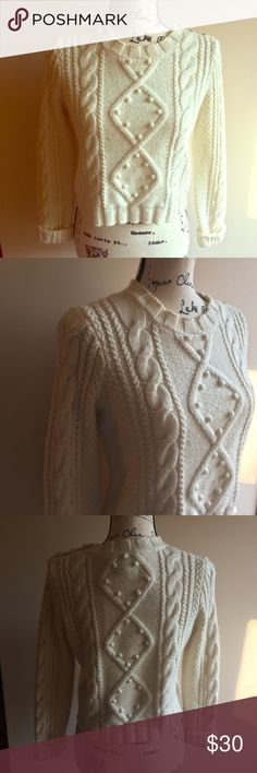 Juicy Couture Cropped Cable Knit Sweater Cream Juicy Couture cropped Sweater Cream - size S. Great condition! Juicy Couture Sweaters Crew & Scoop Necks