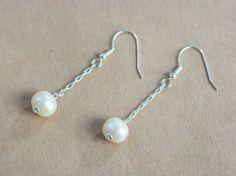 Boucles d'oreilles pendantes et la perle culture par Xusflu sur Etsy Belly Button Rings, Pearl Necklace, Culture, Etsy, Jewelry, Drop Earring, Unique Jewelry, Boucle D'oreille, Bead