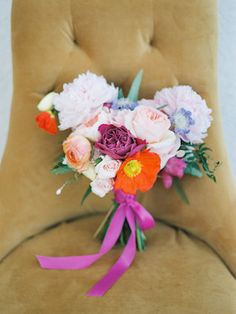 Colorful bridal bouquet with orange poppy | Marilyn Duvall Photography | see more on: http://burnettsboards.com/2015/08/lush-tuscany-inspired-wedding/