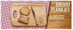 Deze beukenhouten broodplankjes zijn een super leuk om te krijgen, maar vooral om te geven. Met een lazer wordt jouw persoonlijke bericht op de plank gegraveerd. Verkrijgbaar in 3 maten, er zijn verschillende designs, geschikt voor jong tot oud! #broodplank #snijplank #beukenhout #gegraveerd #gepersonaliseerd #personalisatie