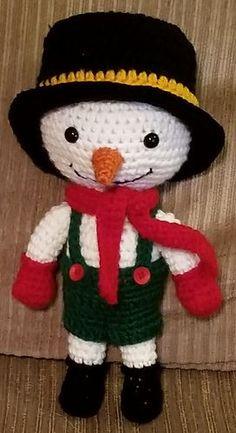 JJ Snowman by Kelli's Kreations - free crochet pattern includes Doll, hat, bibs and scarf.