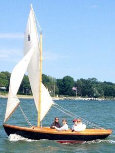 Herreshoff 12.5 Doughdish Sailing downwind S.I.Y.C. July Ladies' Race 2014