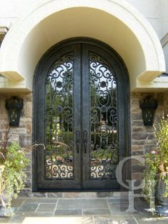 Unique Entry Doors Home Design Ideas, Pictures, Remodel and Decor Iron Front Door, Black Front Doors, Double Front Doors, Front Gates, Door Entryway, Entry Doors, Clark Hall, Spanish Style Homes, Iron Work