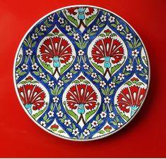 Blue Pottery, Ceramic Pottery, Ceramic Art, Turkish Plates, Turkish Art, Turkey Pattern, Decoupage Art, Plate Art, Plate Design