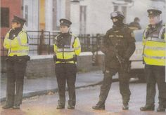 #Gardai #ERU| #Police #Armed #SWAT #RSU #Ireland #Gun Military Special Forces, Strong Arms, Swat, Armed Forces, Cops, Gun, Irish, Ireland, Police