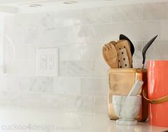 The new backsplash tile in @Julia Konya's kitchen is understated and stunning. /ES