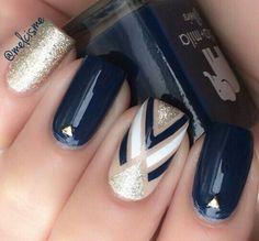 Must Try Nail Designs This Autumn; Fall nails fall nail art pumpkin na Dark Blue Nails, Navy Nails, Navy Nail Art, White Nails, Glitter Gradient Nails, Silver Nail, White Polish, Glitter Art, Brown Nails