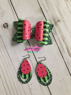 Mommy & Me Matching Bow and Earrings Set, Watermelon Hair Bow, Watermelon Earrings, Watermelon Headband, Hair Bow Diy Leather Earrings, Bow Earrings, Etsy Earrings, Softball Hair Bows, Bow Template, Glitter Canvas, Small Jewelry Box, Jewelry Ideas, Baby Hair Bows