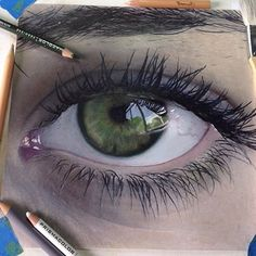 #Beautiful Green Eye Drawn with Colouring Pencils by: @aanimzo ✏