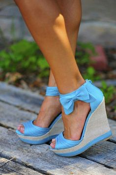 Super cute spring/summer bow