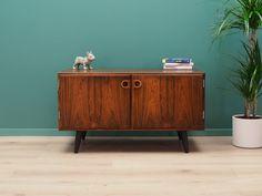 Fantastic cabinet from the Good Dates, Storage Cabinets, Danish Design, Sliding Doors, Scandinavian Design, Teak, Home Furniture, Mid Century, Minimalist