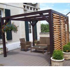 Pergola en bois avec vantelles amovibles sur 1 côté 348x310x232cm Ombra en vente chez mon-abri-de-jardin.com, le spécialiste des pergolas livrées à domicile