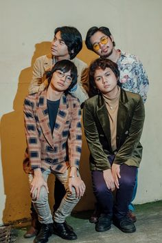 IV of Spades is ready to boogie - Young Star King Of Spades, Fine Boys, 90s Outfit, Handsome Faces, My Boyfriend, Fangirl, Hipster, Punk, Celebs