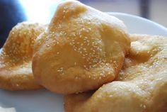 Bánh Tiêu / Vietnamese Sesame Hollow Bread Recipe (craftyc0rn3r)