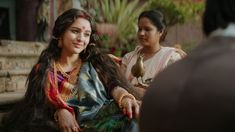 Bulbul is a relevant fable that deals with a wronged woman. It actually talks of a woman who is dangerous. Supernatural Films, Netflix Review, Netflix India, Netflix Horror, Anthology Series, Anushka Sharma, Film Serie, Netflix Originals, The Victim