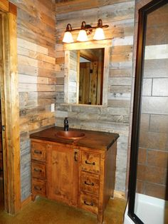 BATHROOM WALLS AND VANITY.  Wood Pallet Design, Pictures, Remodel, Decor and Ideas - page 4