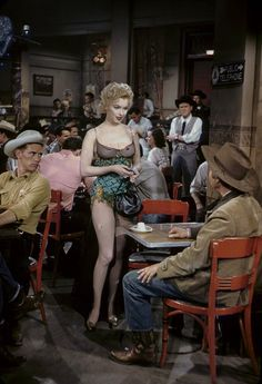 Image uploaded by Marilyn, dear. Find images and videos about Marilyn Monroe, bus stop and zinn arthur on We Heart It - the app to get lost in what you love. Marylin Monroe, Marilyn Monroe Photos, Old Actress, American Actress, Divas, Cinema Tv, Bus Stop, Norma Jeane, Vintage Hollywood