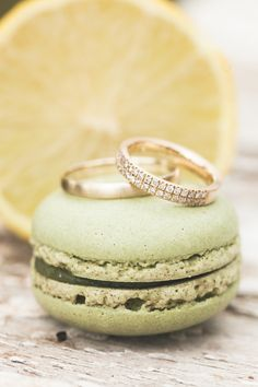 D (2 von 1) Jewelery, Wedding Rings, Engagement Rings, Diamond, Photography, Ring, Jewels, Rings For Engagement, Jewlery