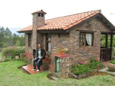 Casas de pedra Home Inspiration homes for sale inspiration hills san antonio Stone Cottages, Cabins And Cottages, Stone Houses, Spanish Style Homes, Spanish House, Style At Home, Cabin Style Homes, Forest House, Small House Plans