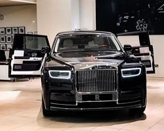 Rolls Royce phantom VIII ( 2018 )