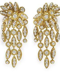 #Luxury de  Van Cleef & Arpels: | Chandelier Gold & #Diamond earrings for LIz #Taylor |  La Dolce VIta | #Elegant & #Classy | #luxury