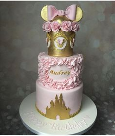 Minnie Cupcakes, Mickey Cakes, Mickey Mouse Cake, Minnie Mouse Cake, Minnie Mouse Birthday Decorations, Princess Party Decorations, Minnie Mouse 1st Birthday, Birthday Cake Roses, Masquerade Party Decorations