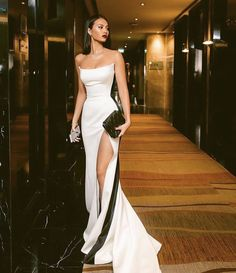 Shop for Sexy Strapless Side Slit Evening Dresses Cheap Online. Try Black White Sleeveless Cheap Formal Party Dress at the best price. Ball Dresses, Ball Gowns, Pretty Dresses, Beautiful Dresses, Beautiful Live, Awesome Dresses, Cheap Evening Dresses, Sexy Evening Dress, Evening Dresses Online