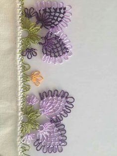 This Pin was discovered by Kad Hand Embroidery Stitches, Ribbon Embroidery, Embroidery Designs, Weaving Patterns, Crochet Patterns, Crochet Unique, Crochet Boarders, Crazy Quilt Blocks, Crazy Patchwork