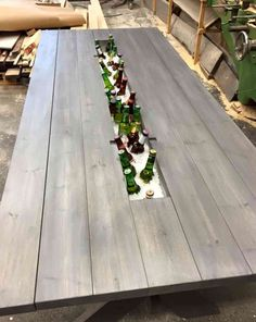 These Carpenters' Brilliant Picnic Table Transformation Is Going Viral. Diy Outdoor Table, Diy Outdoor Furniture, Patio Table, Picnic Table, Outdoor Dining, Garden Furniture, Outdoor Decor, Beer Table, Backyard Projects