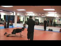 Big wrestler lost to a small Tai Chi expert in takedown challenge. Sport Sport, Tai Chi, Feng Shui, Chen, Martial Arts, Challenges, Lost, Wrestling, Training