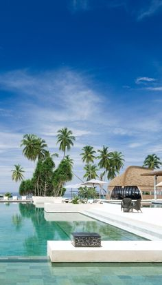 In addition to the private pools in each villa there's a infinity pool overlooking the ocean.