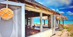 Tippy's Beach Bar - Eleuthera