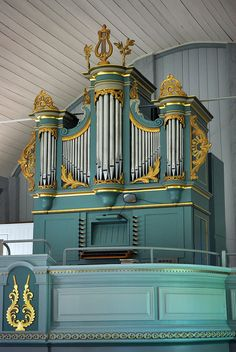 This odd but beautiful-colored organ, with its fancy gilded gold, is in Raippaluoto, Finland. Organ Music, Church Music, Natalie Wood, Soothing Colors, My Favorite Image, Sound Of Music, Tiffany Blue, Church Building, Musical Instruments