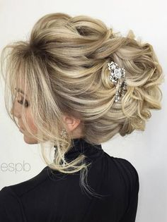 Elstile wedding hairstyles for long hair 22 - Deer Pearl Flowers / http://www.deerpearlflowers.com/wedding-hairstyle-inspiration/elstile-wedding-hairstyles-for-long-hair-22/