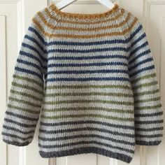 Diy Crafts - Ravelry: Striped Lama pattern by PixenDk Baby Knitting Patterns, Baby Cardigan Knitting Pattern Free, Baby Boy Knitting, Jumper Patterns, Knitting For Kids, Crochet Baby Cardigan, Mens Striped Sweater, Striped Sweaters, Ravelry
