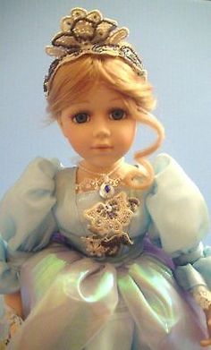 16-Geppetto-Cinderella-At-The-Ball-Doll-Porcelain-Blue-Dress-With-Stand