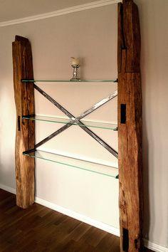 Metal, Glas und altes Holz, perfekte Kombi :)